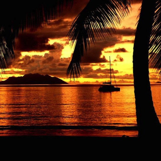 PASQUA AL CALDO: FUGA ESOTICA ALLE SEYCHELLES