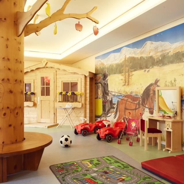 ESTATE IN FAMIGLIA AL BADRUTT'S PALACE HOTEL DI ST. MORITZ