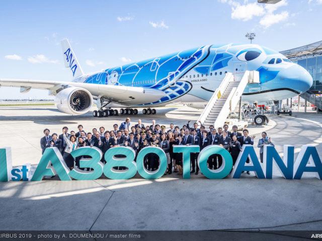 (Italiano) ANA RICEVE DA AIRBUS IL SUO PRIMO A380